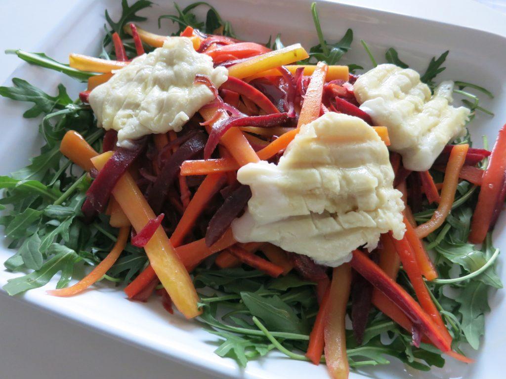 Wurzelgemüse Salat mit Honig Senf Dressing